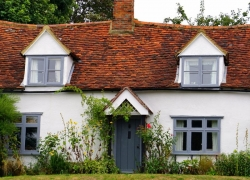 10 DIY Home Improvement Ideas For Under $100